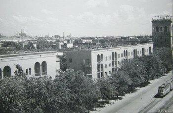 Фото с крыши. Вид на заводы.
