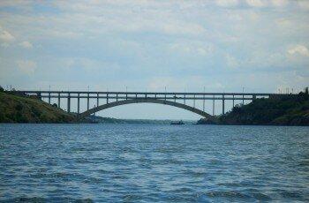 Вид на мост с Днепра