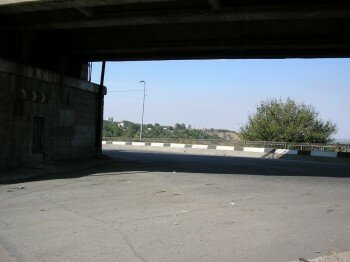 Вид из под моста на остров Хортица.