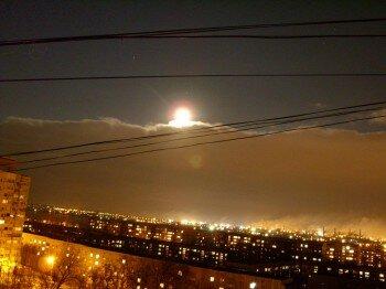 Ночной вид на заводы с правого берега