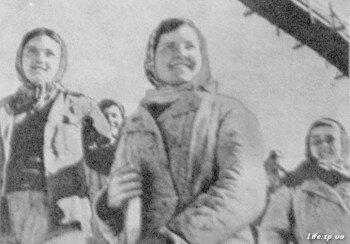 Девушки из бригады Г. Адылиной.