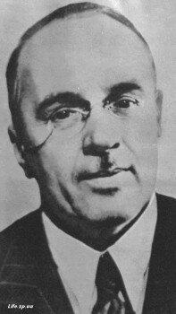 В период восстановительных работ главным инженером Днепростроя был известный советский гидростроитель И. И. Кандалов.