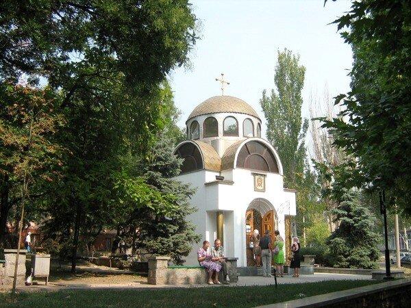 Церковь св. Луки Крымского (ул. А. Матросова).
