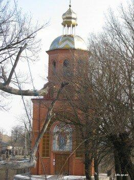 Малый Свято-Покровский храм возле семисотлетнего дуба.
