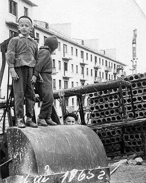 1965 год. Строится дом № 14 по улице Яценко.