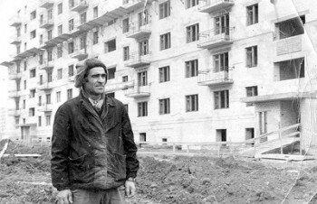 1975 год. Бригадир каменщиков Герой Социалистического Труда Григорий Дымов.