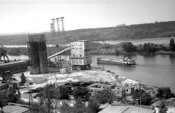 Цементынй завод для строительства ДнепрГЭС-2.