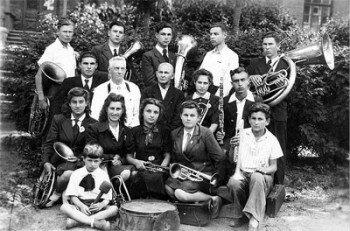Оркестр транспортно - фельдшерской школы.