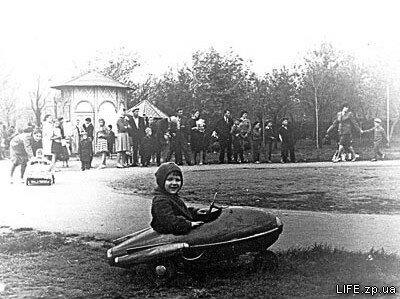 Середина 1960-х годов. Парк Пушкина в районе ДК строителей.