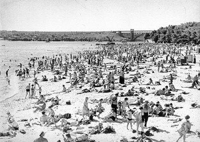 2-я половина 70-х годов. Ждановский пляж.