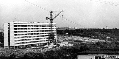 70-е годы. Строится главный корпус мединститута.
