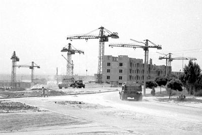 Строятся дома по улице Яценко. 1965 год.