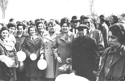 1 мая 1964 года. Коллектив ЗТТУ собирается на демонстрацию.