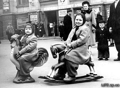 1955 год. Возле детского кинотеатра имени Гоголя.