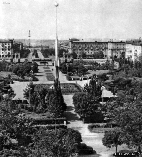 В наши дня - это пл. Маяковского и на ней находится фонтан Жизни