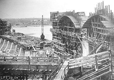 1929 год. Строящаяся плотина Днепрогэса.