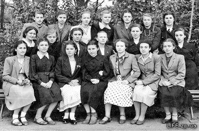 1954 год, выпускной женский класс 62-й школы.