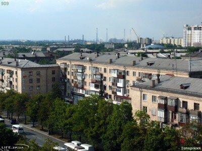 Вид на заводы с проспекта Ленина