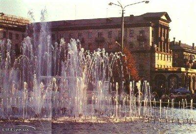 Фото старого фонтана на пр. Маяковского