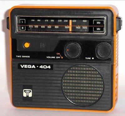 Советский радиоприёмник с ночной подсветкой