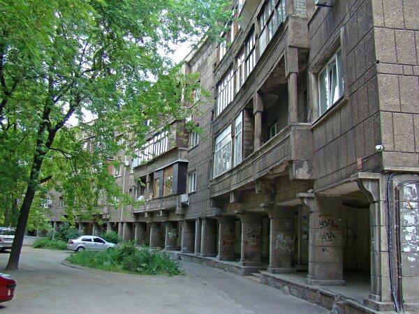 Это была одна из первых в советской стране попыток создать коммуну или кондоминиум.