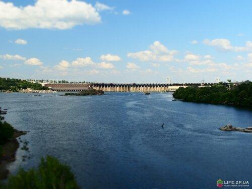 Плотина ДнепроГЭС
