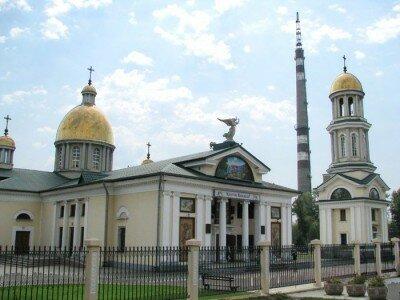 Собор был перестроен из сталинского ДК