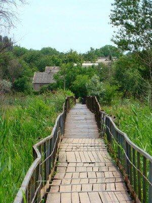 Мост через отстойник - бассейн реки Капустянка