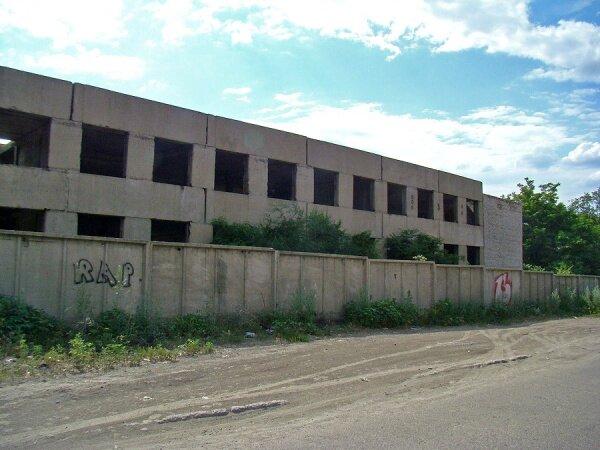 Недостроенный склад, ангар, цех, помещение