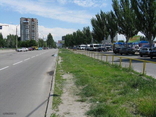 Улица Чумаченко, справа - рынок «Александровский»