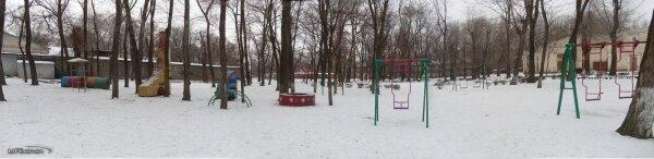 Детские аттракционы в парке (Павло-Кичкас)