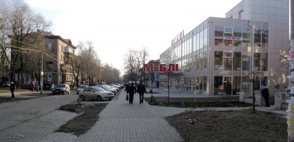 Магазин «Мебель» по улице Сталеваров
