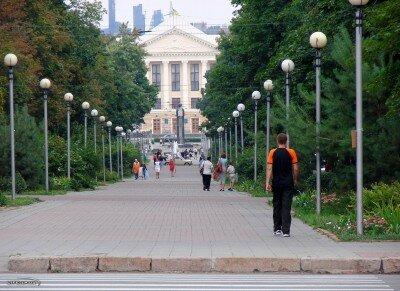 Мэрия, вид через бульвар Шевченко