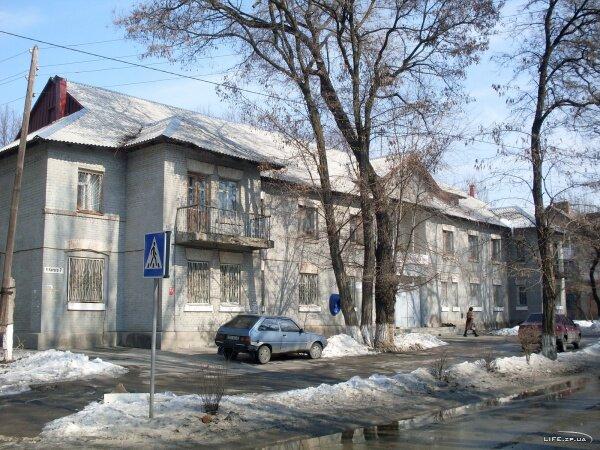 Поликлиническое отделение №3 детской поликиники №3 по улице Карпенко-Карого 7