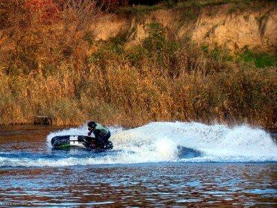 Экстрим на водных скутерах в заливе