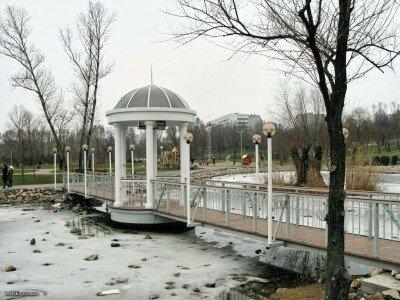 Фото мостика в новом парке