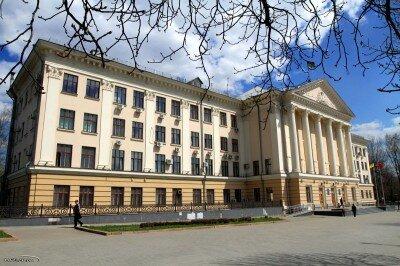 Здание горисполкома - HDR фотография