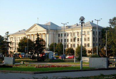 Горсовет, Проспект Ленина 206. Сентябрь 2011 год.