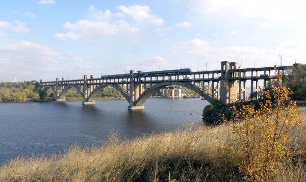 Мост через Днепр в Запорожье