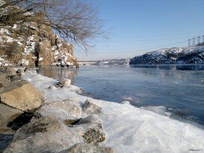 Река Днепр, вид с Правого берега на Днепрогес. Зима, Февраль 2012 года.