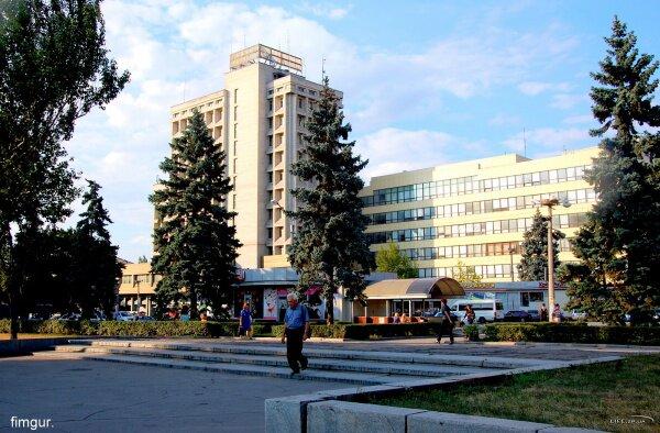 «Пентагон», Приват-Банк на проспекте Ленина