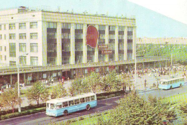 Универмаг «Украина», 1973 год (70-е годы)
