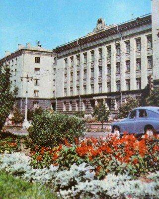 Здание института Укрниицветмет, 1964 год (60-е годы)