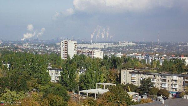 Фотография сделана из высотки в Коммунарском районе (октябрь 2011 года)