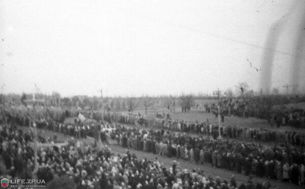 Площадь Октябрьская еще без «Интуриста», 1962 год