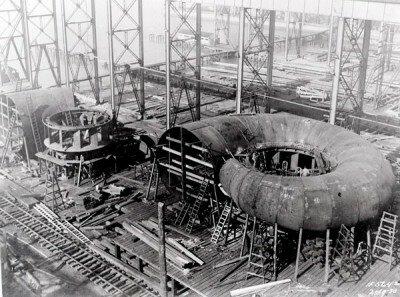 Монтаж скоростного кольца на Днепрогэсе 1930 год. Фото из музея энергии.
