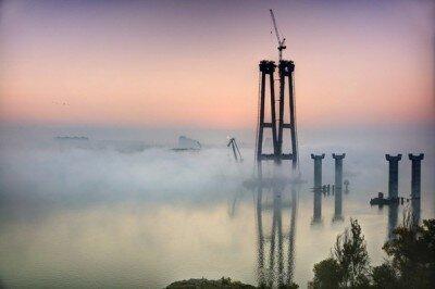 Новые мосты в тумане - рассвет в Запорожье