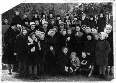 СШ №50, первый учитель Ерохина Мария Петровна и её ученики с 1952 по 1974 года