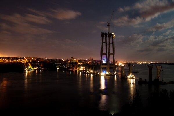 Новые запорожские мосты ночью
