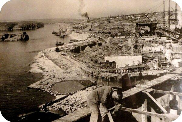 Днепрострой: титанический и опасный труд рядовых днепростроевцев